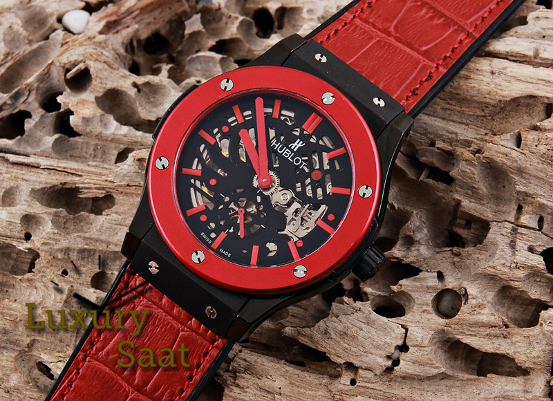 hublot saat replika hublot omega tag heuer armani guess audemars piguet vacheron. Black Bedroom Furniture Sets. Home Design Ideas